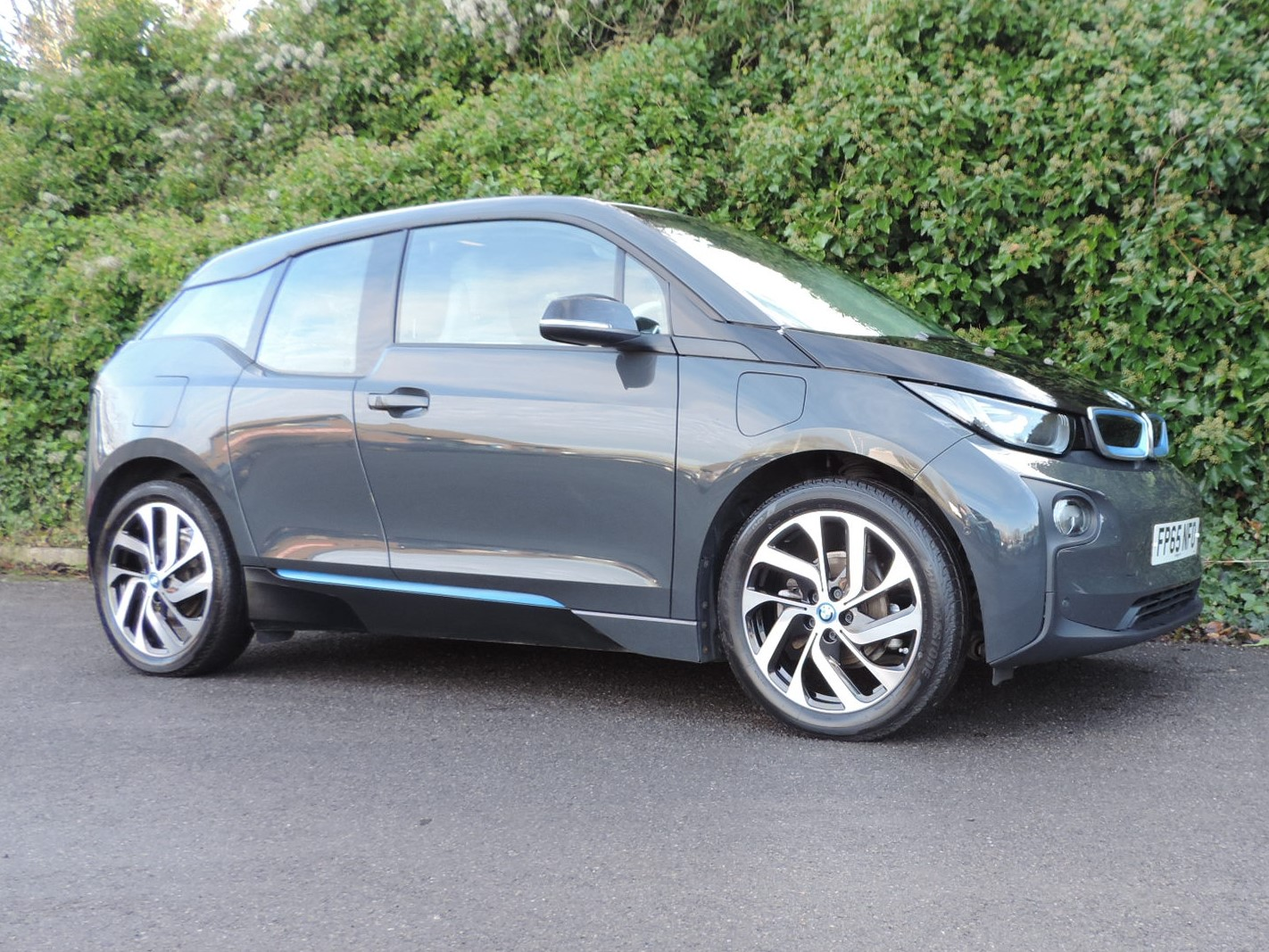BMW i3 60Ah REX (2015) Arravani Grey / Loft interior