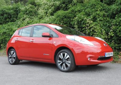 Nissan Leaf 24kWh Acenta (2016) Coulis Red / Black Velour Fabric