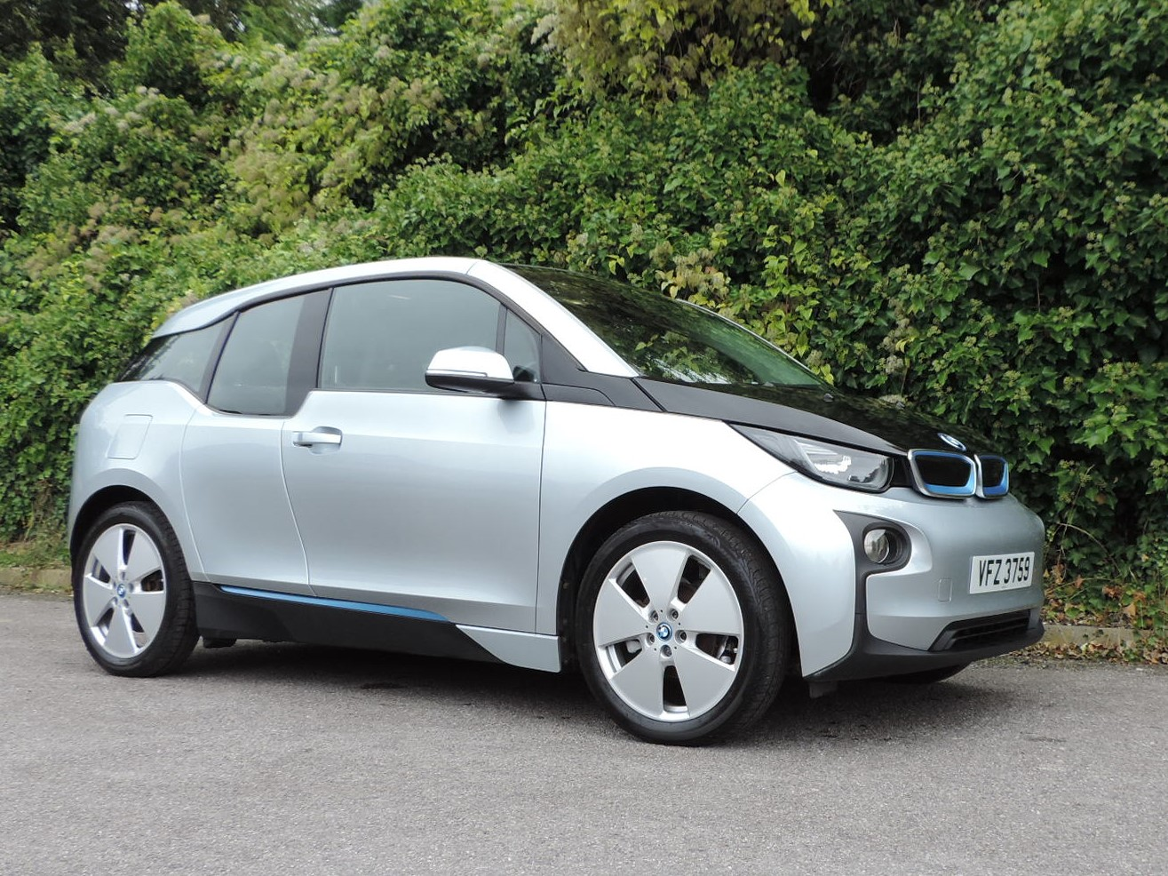 BMW i3 60Ah BEV (2014) Ionic Silver / Suite leather