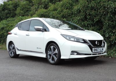 Nissan Leaf 40kWh (2018) Tekna Storm White / Black leather