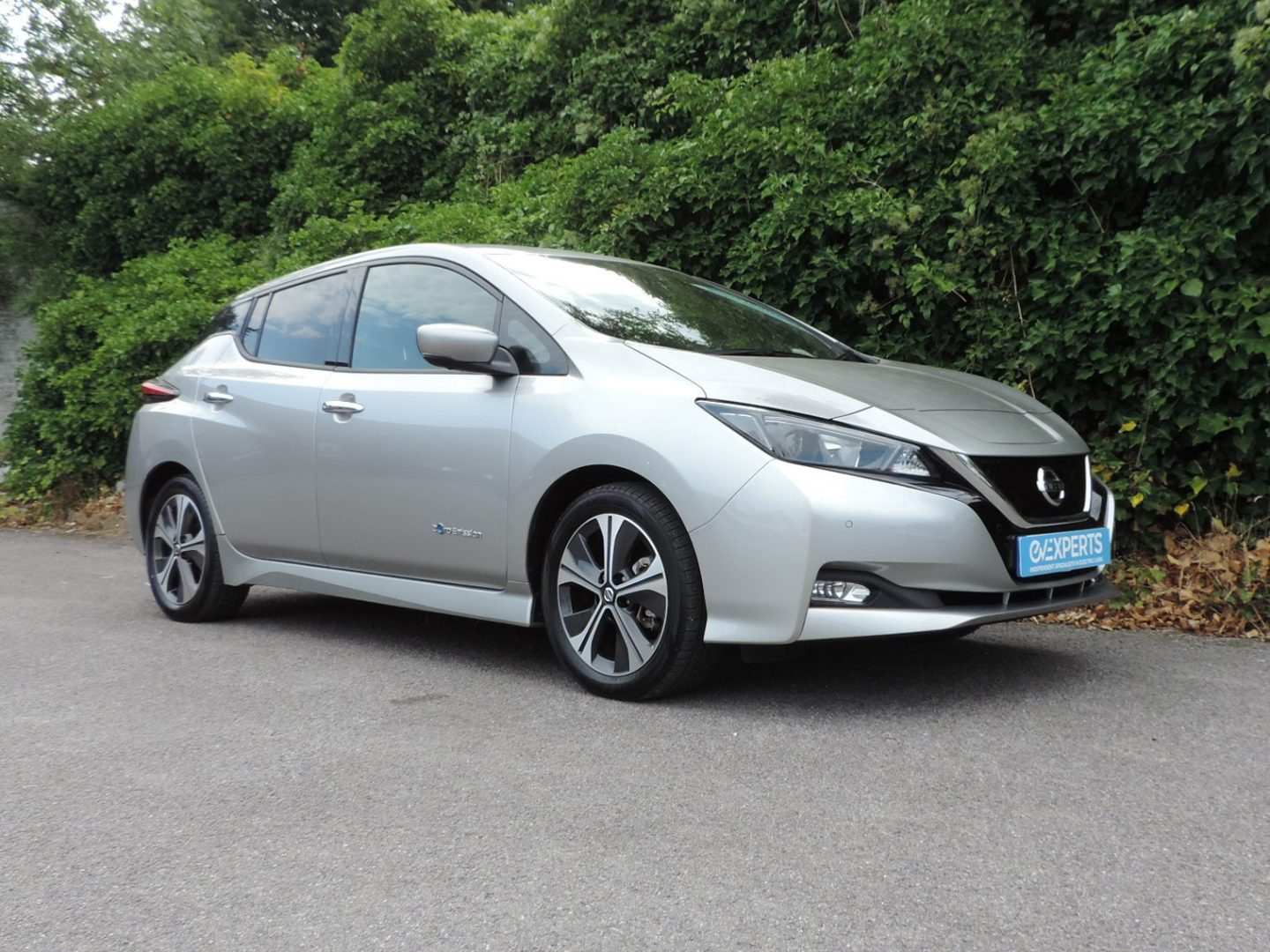 Nissan Leaf 40kWh N-Connecta (2018) Blade Sliver / Black Fabric