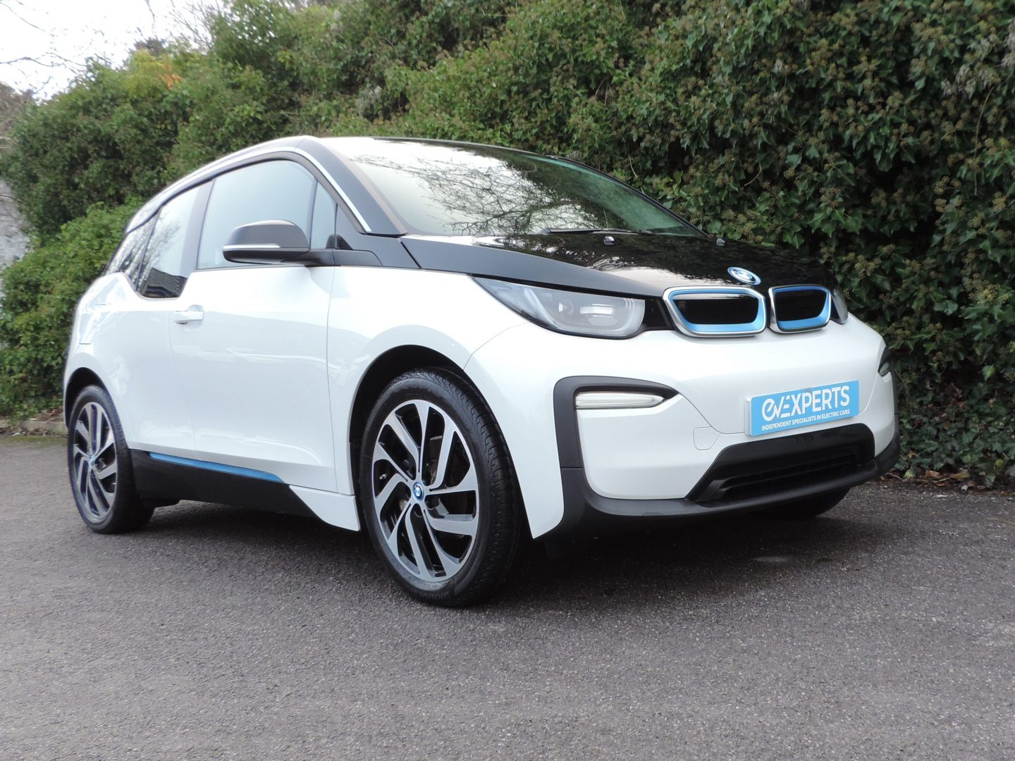 BMW i3 42.2kWh (2019) Capparis White / Cloth