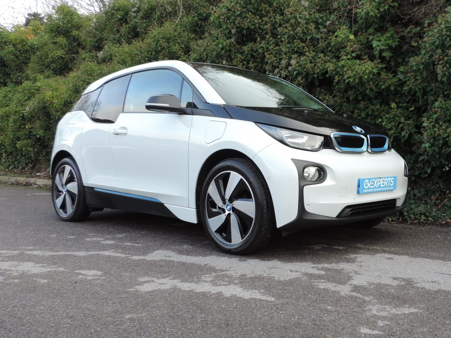 BMW i3 22kWh / 60Ah REX (2015) Capparis White / Suite Leather