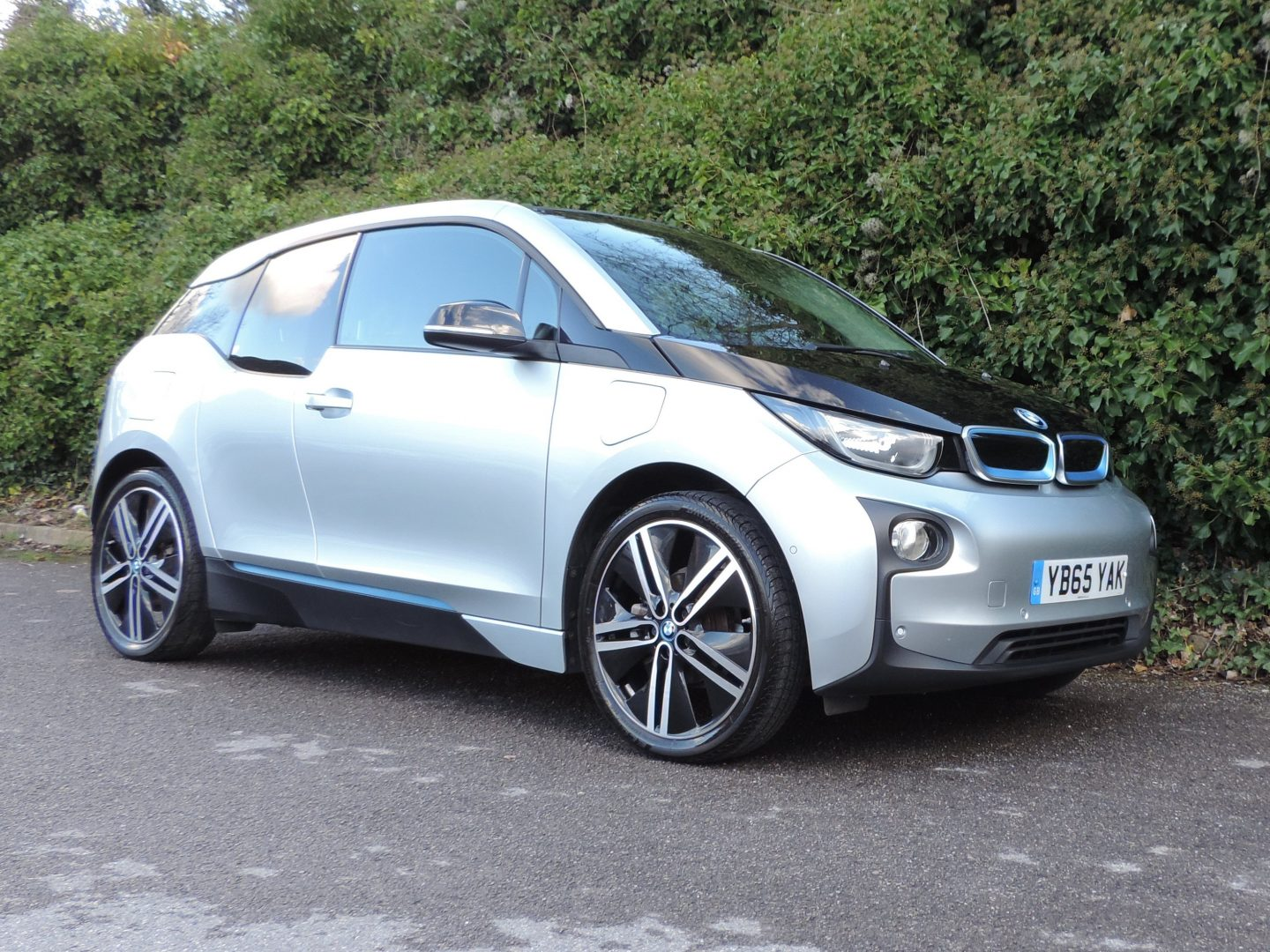 BMW i3 22kWh / 60Ah REX (2015) Ionic Silver / Suite Leather