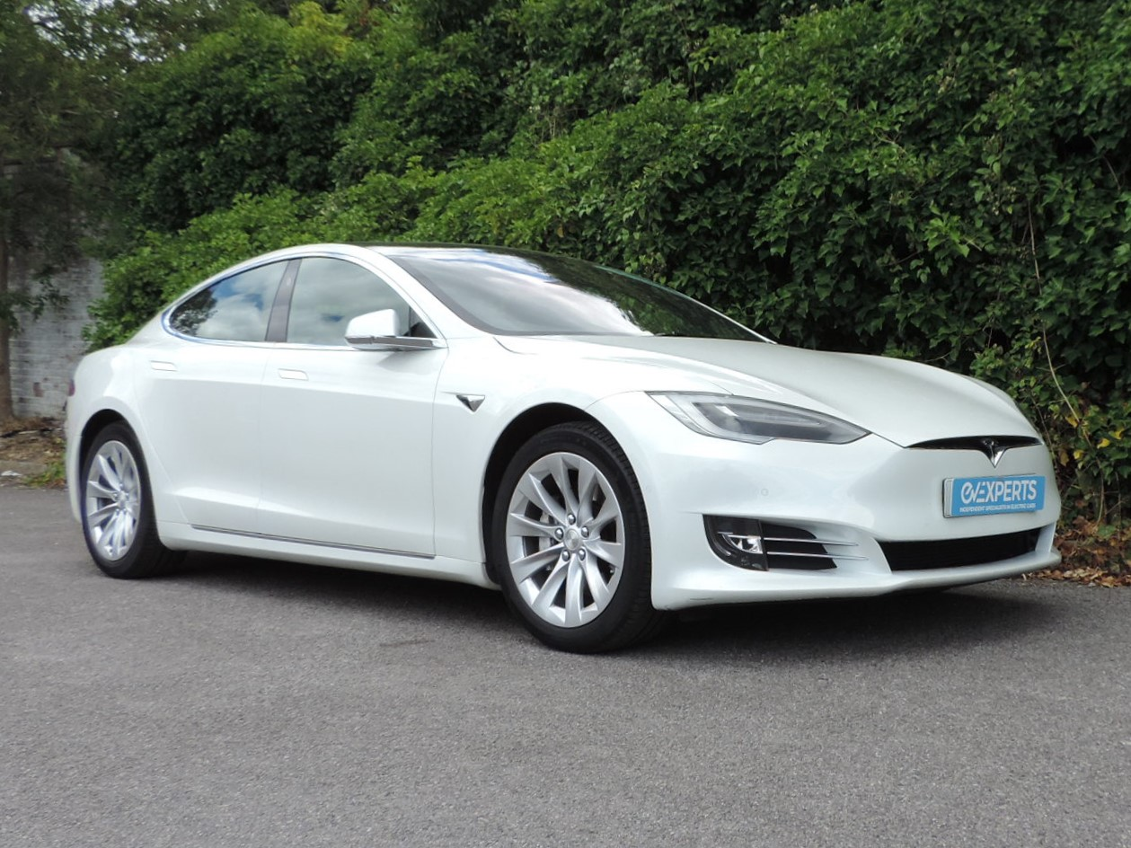 Tesla Model S 75 (2017) Pearl white multicoat / Black leather