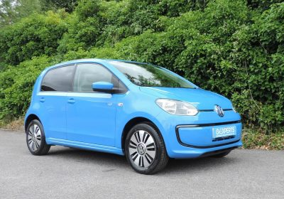 VW e-UP! 18kWh Launch Edition (2014) Cornflower blue / Charcoal cloth Leather accents