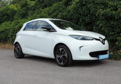 Renault Zoe 40kWh Signature Nav (2017) Glacier white / Bronze leather