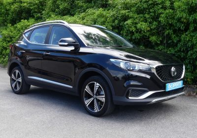 MG ZS Exclusive 44kWh (2020) Black Pearl / Black leather-style interior